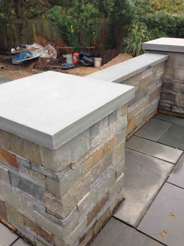 Blue Ridge Thin Stone Veneer with Corners