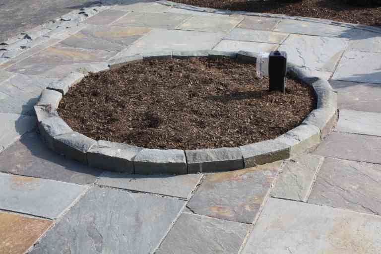 Bluestone Cobble Edge Restraint